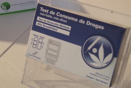 tarjeta de crédito escolta drogas